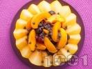 Рецепта Пълнен пъпеш с плодове - праскови, кайсии, череши, мед и шоколад за десерт
